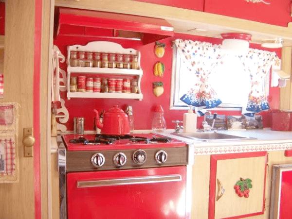 Living Simply: Part 1 - Vintage Trailers · Cozy Little House