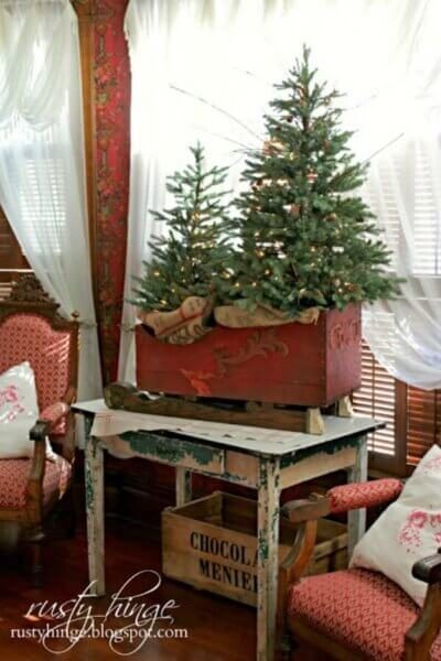 10 Small Space Christmas Trees