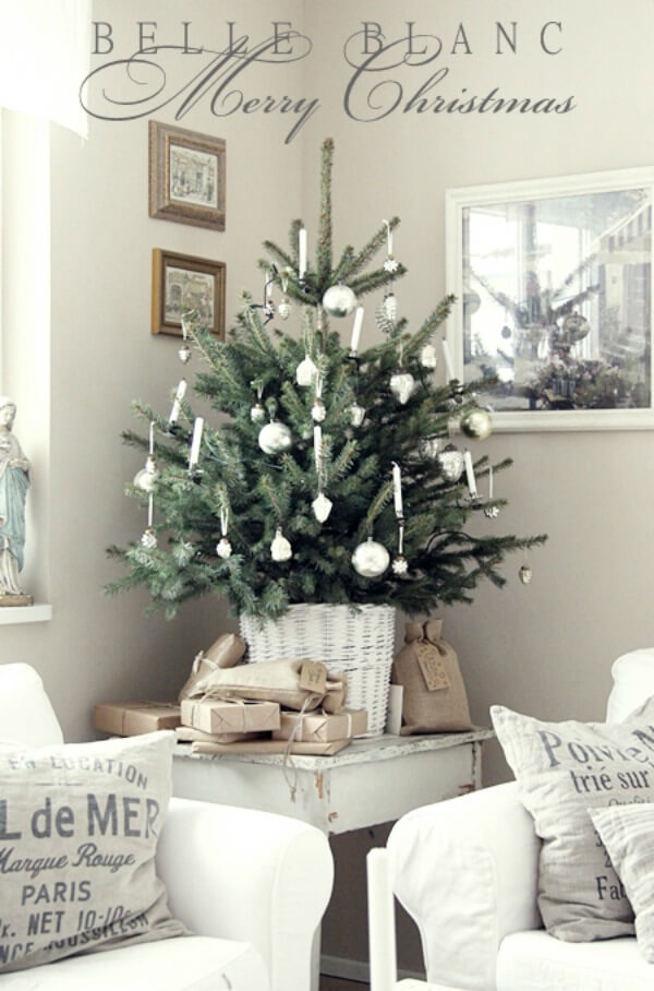A Small More Traditional Tree On Table Central To Your Living E Can Be Enjoyed By All