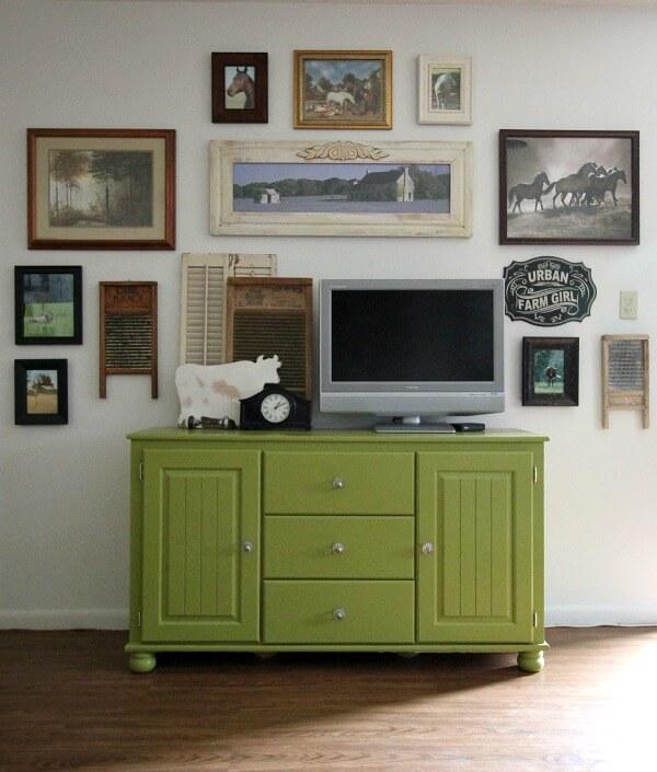 How To Decorate Around TVs: Part 1