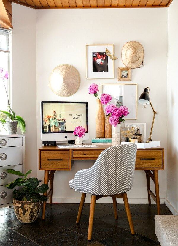 Best ways to create a home office in small spaces - Creating a small home office ...