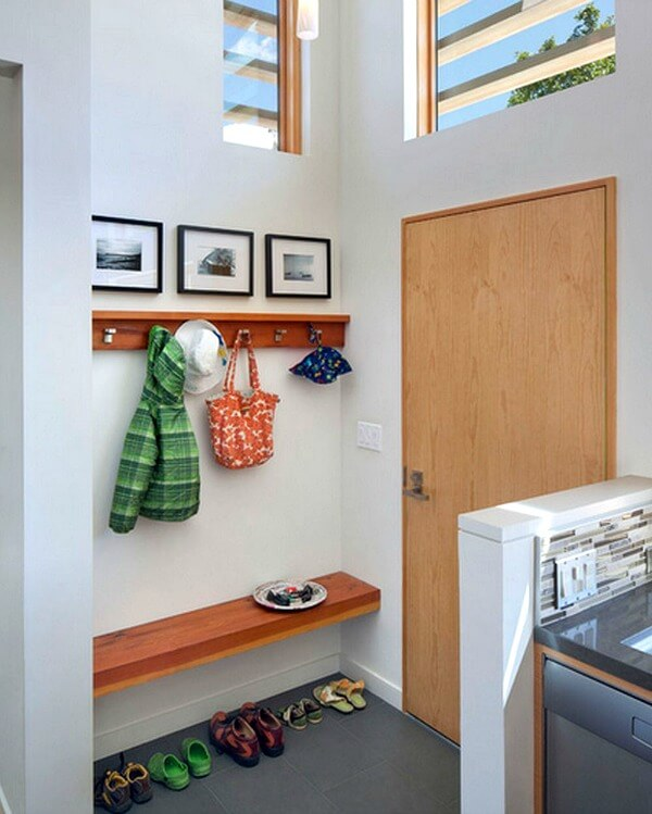 Cozy House Entryway: Creating An Entryway In A Small Home