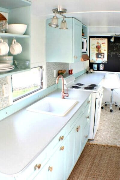 Tiny Home Living: 1955 Spartan