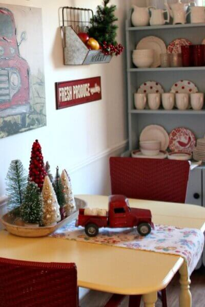 Small Space Holiday Decorating Tips