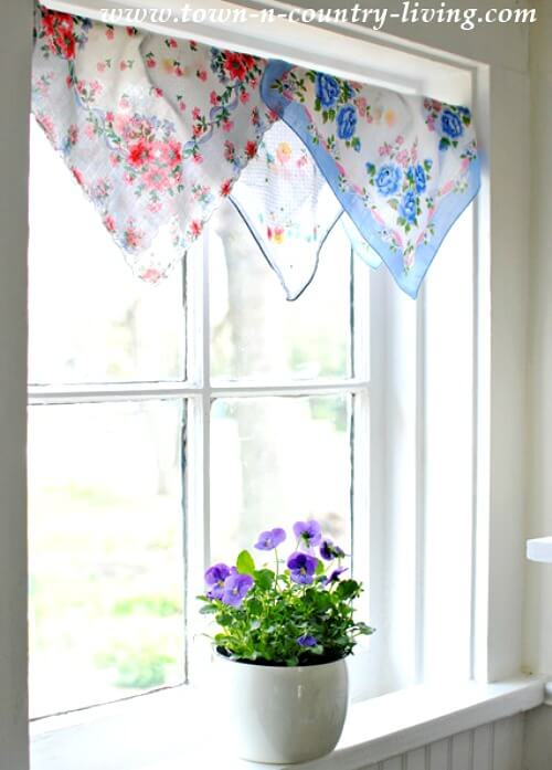 If Your Window Doesn T Look Out Over A Street Or Busy Area You Could Get By With This Treatment Add Blinds Underneath