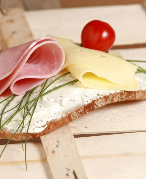 chives on sandwich