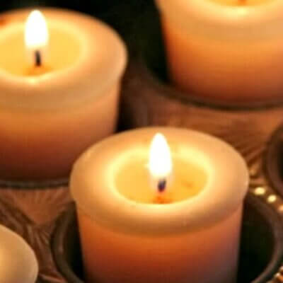 Candles & What I'm Reading & Lovely Reads