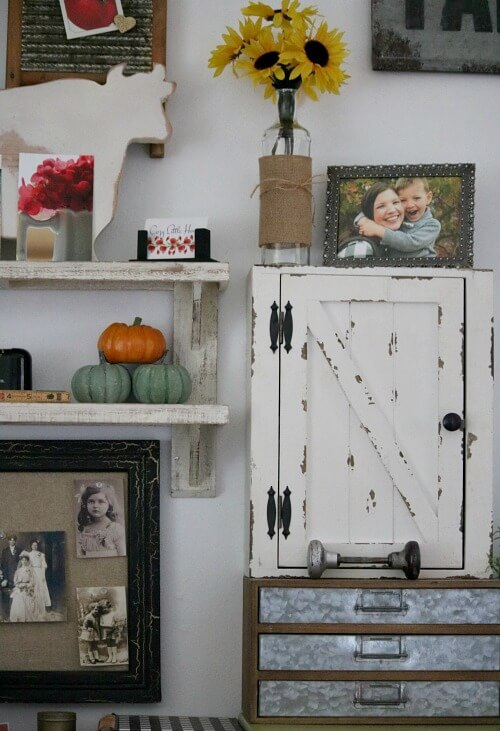 Fall vignette in office nook