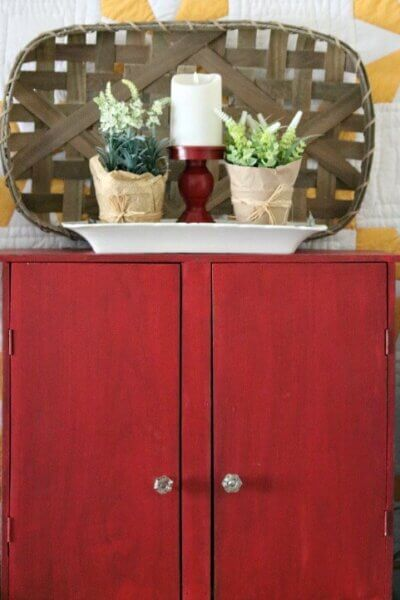 Red cupboard vignette