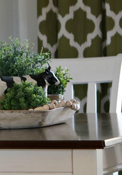 Kitchen table vignette