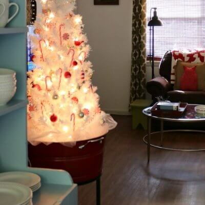 Small Space Christmas Decorating.
