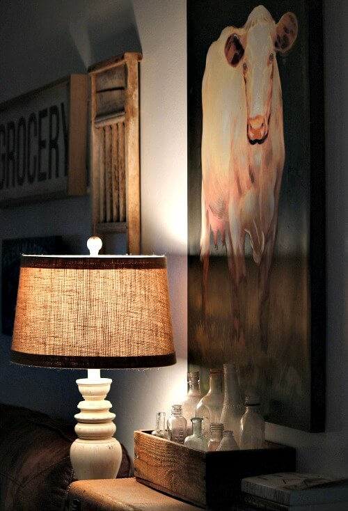 living room lamp & painting