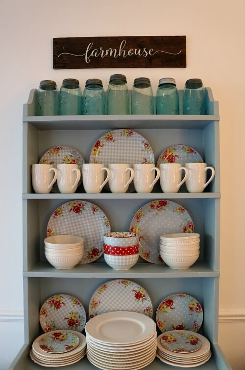 Tips On Using Every Inch Of Space To Organize A Small Kitchen