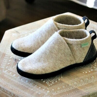 Kyrgies Slippers & How To Safely Switch Your Cat's Food