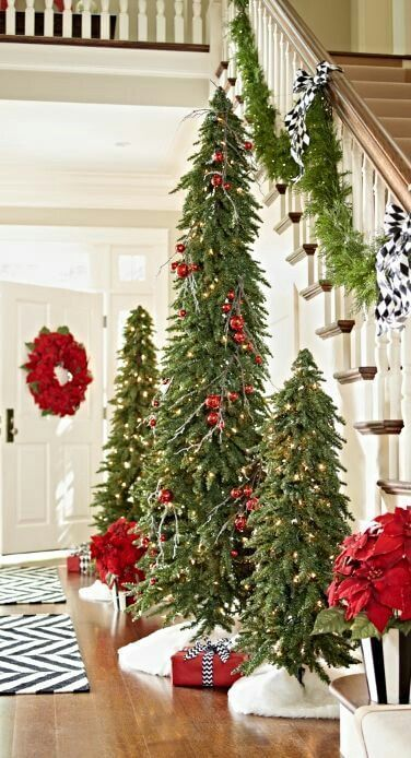 How To Decorate A Skinny Christmas Tree