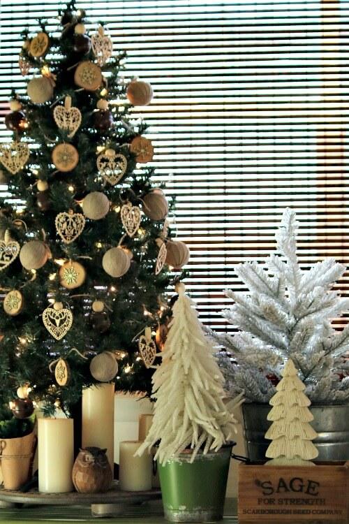 A Boho Christmas Tree Vignette