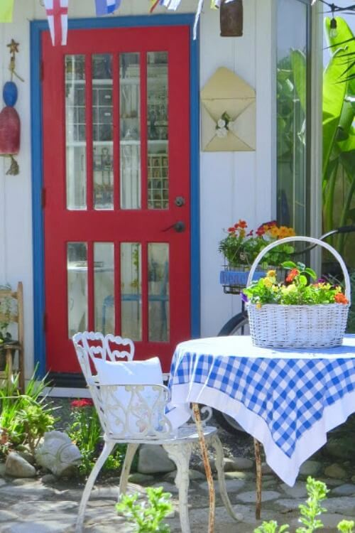 Living Large In Little Houses: Carol's Cottage