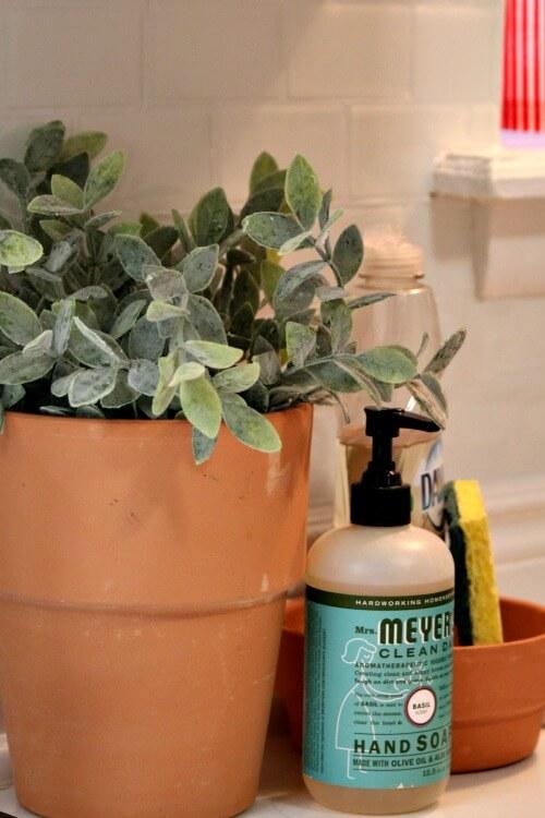 Decorating Challenge #2: Terra Cotta Pots In The Kitchen