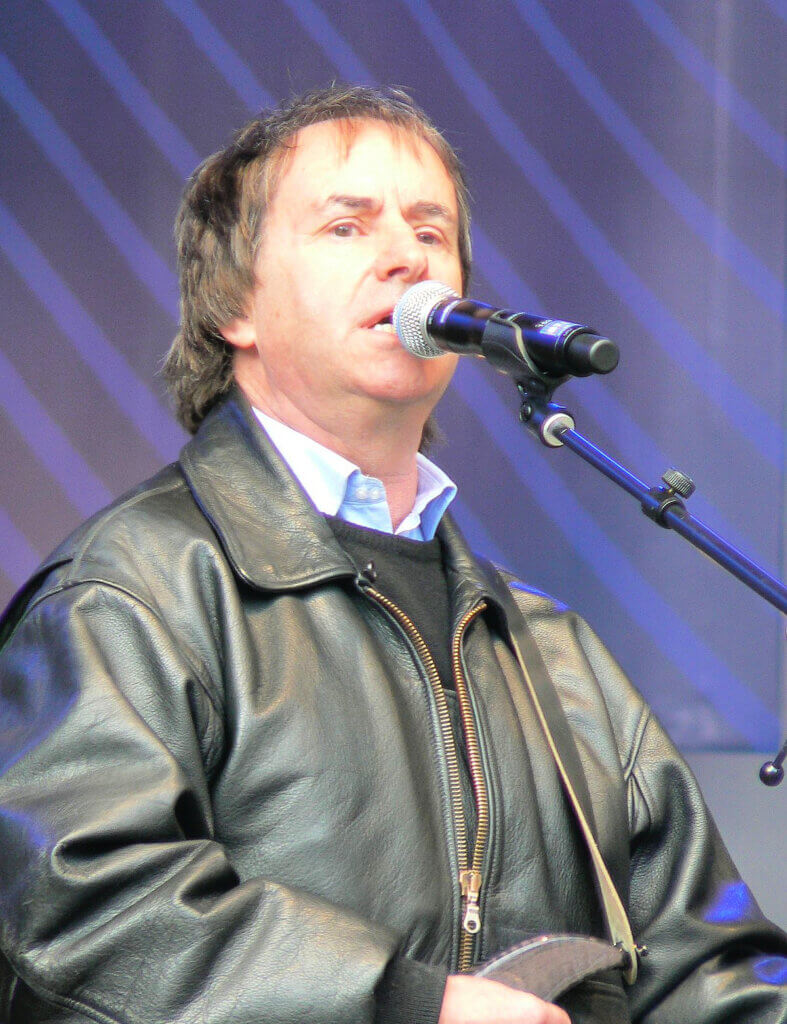 Photo of singer/songwriter Chris De Burgh who sang Lady In Red