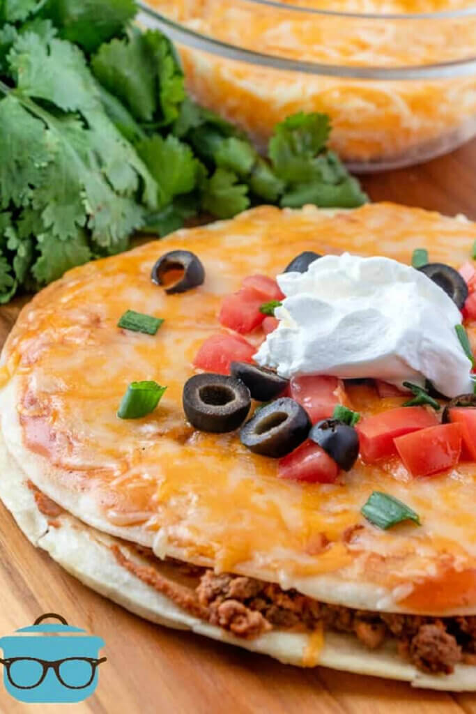 A copycat recipe for Taco Bell's pizza for New & Notable Mentions