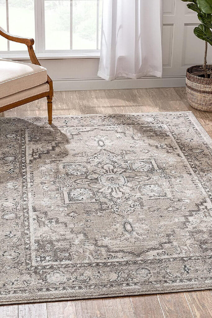 In choosing a rug size, this neutral gray will work