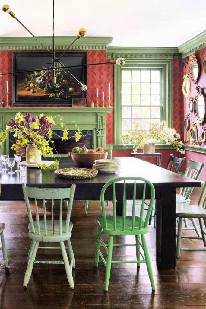 The vintage and modern New York farmhouse has a mismatched dining room